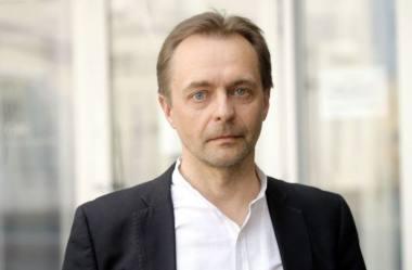 Teatro ir kino kritikas, Scenos meno kritikų asociacijos valdybos narys Vaidas Jauniškis. Martyno Aleksos nuotrauka