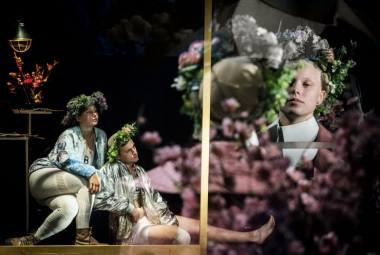 """Scena iš spektaklio """"Sukūrimas / Paveikslai Dorianui"""". Dmitrijaus Matvejevo nuotrauka"""