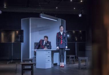"""Scena iš spektaklio """"Provokatoriai"""". Arvydo Gudo nuotrauka"""