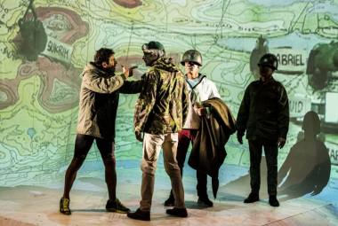"""Scena iš spektaklio """"Minų laukas"""". Dmitrijaus Matvejevo nuotrauka"""