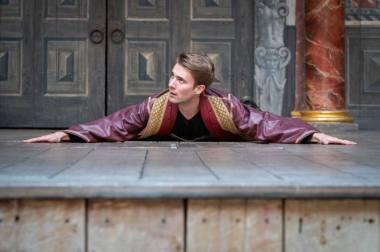 """Aktorius Andrius Gaučas stažuotės """"Shakespeare's Globe"""" teatre Londone metu. Marco Brennerio nuotrauka."""