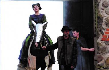 """Sandra Janušaitė (Aldona) operoje """"Lietuviai"""" 2009 m. Martyno Aleksos nuotrauka"""
