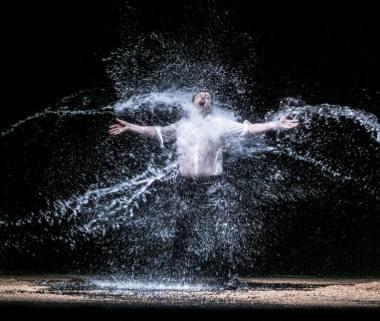 """Scena iš W. A. Mozarto operos """"Idomenėjas"""", režisierius Grahamas Vickas. Geteborgo operos archyvo nuotrauka"""
