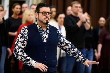 """Tenoras Kamenas Chanevas (Kalafas) operos """"Turandot"""" repeticijoje, režisierius Robertas Wilsonas. Martyno Aleksos nuotrauka"""