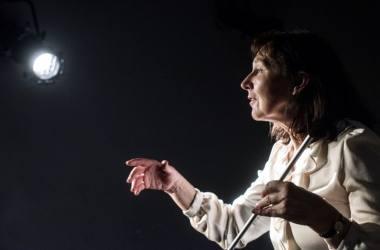 """Aktorė Neringa Bulotaitė spektaklyje """"Kas nebijo Virdžinijos Vulf"""". Dmitrijaus Matvejevo nuotrauka"""