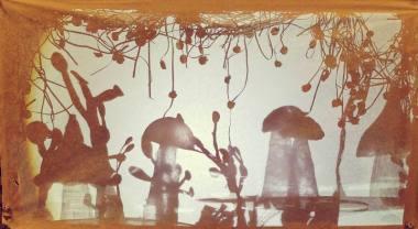 """Akimirka iš teatrinės instaliacijos """"Muilo opera: Burbuliuko meilė"""", režisierė Saulė Degutytė. Nuotrauka iš Stalo teatro archyvo"""
