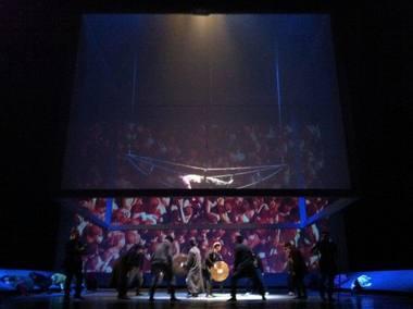 """Scena iš spektaklio """"Korkyto užkeikimas"""". Artūro Šimonio scenografija. Teatro archyvas"""