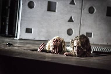 """Scena iš spektaklio """"Masara"""". Magdalenos Hueckel nuotrauka iš stary.pl"""