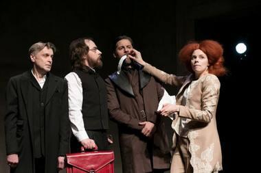 """Mažojo teatro """"Marija Stiuart"""": arogantiška Elžbieta ir vyrija. Liudo Masio nuotrauka"""