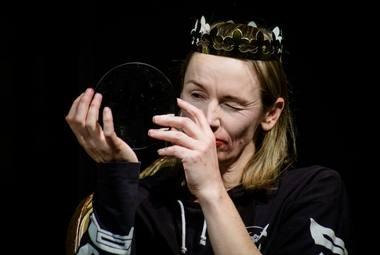 """Viktorija Kuodytė spektaklyje """"Autonomija"""". Lauros Vansevičienės nuotrauka"""