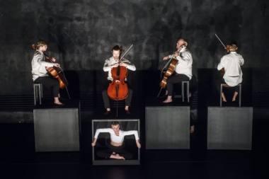 """Šeiko šokio teatras, """"Boléro – Extended"""". Dmitrijaus Matvejevo nuotrauka"""