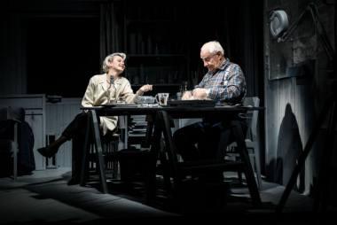 """Scena iš spektaklio """"Aš nieko neatsimenu"""", režisierius Kirilas Glušajevas. Lauros Vansevičienės nuotrauka"""
