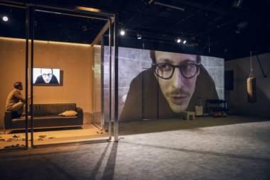 """Scena iš spektaklio """"Panika"""", režisierė Kamilė Gudmonaitė. Donato Stankevičiaus nuotrauka"""
