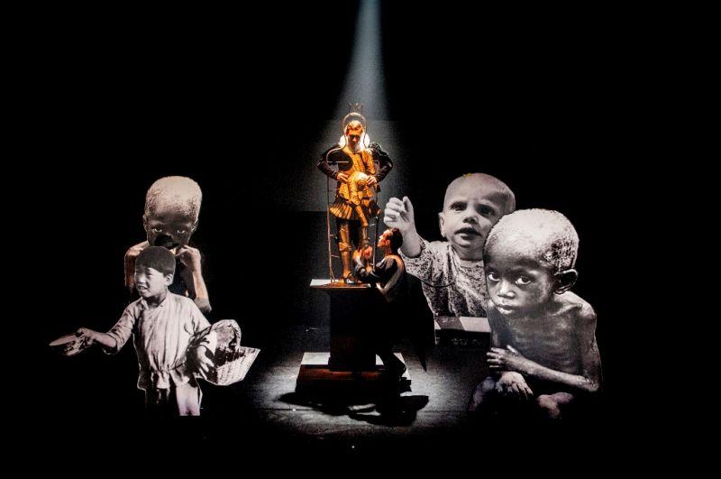 """Scena iš spektaklio """"Laimingasis princas"""". Dmitrijaus Matvejevo nuotrauka"""