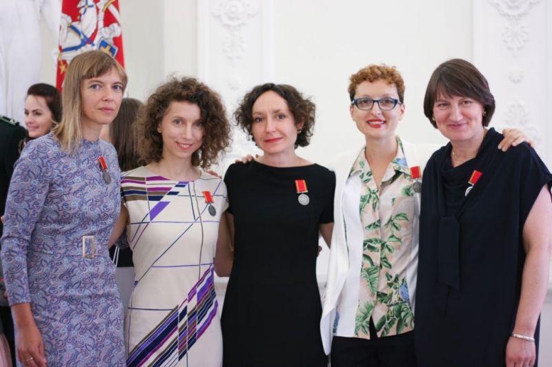 Iš kairės: Lina Lapelytė, Rugilė Barzdžiukaitė, Vaiva Grainytė, Lucia Pietroiusti, Rasa Antanavičiūtė. Paviljono organizatorių nuotrauka