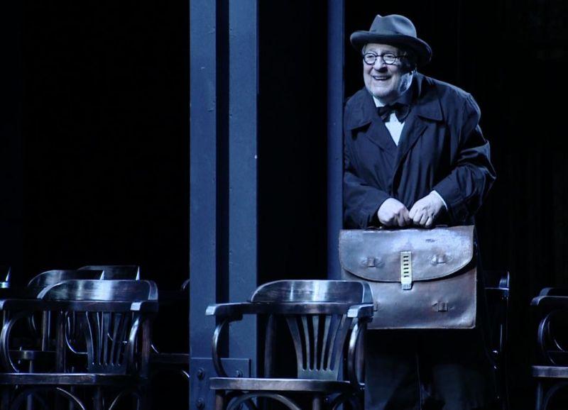 """Scena iš režisieriaus Rimo Tumino spektaklio """"Lemtinga nata"""". Nuotrauka iš J. Vachtangovo teatro archyvo"""