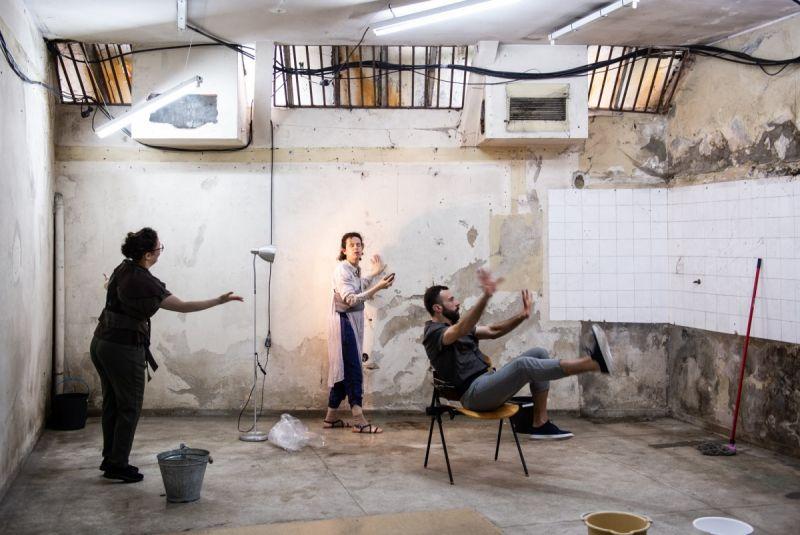 """Scena iš spektaklio """"Imóvel"""". J. Peixoto nuotrauka"""
