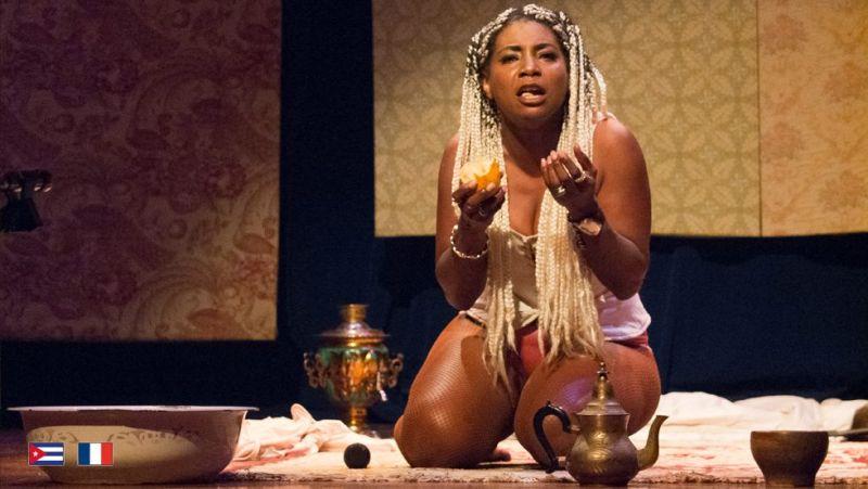 """Kubos aktorės Monse Duany spektaklis """"Ašaros nesukelia triukšmo"""". Nuotrauka iš festivalio organizatorių archyvo"""