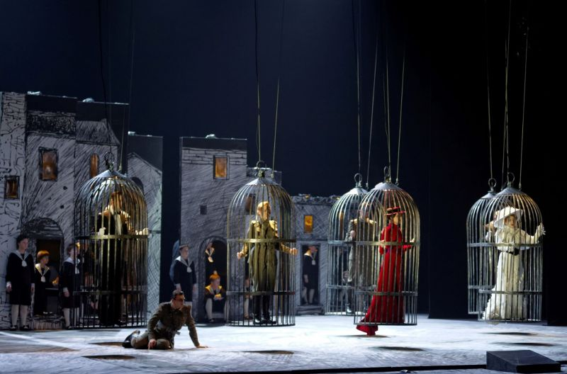 """Scena iš Onutės Narbutaitės operos """"Kornetas"""", režisierius Gintaras Varnas. Martyno Aleksos nuotrauka"""