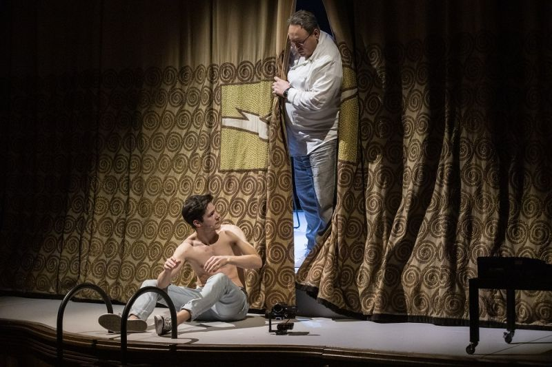"""Scena iš spektaklio """"Žuvėdra"""" (rež. Oskaras Koršunovas). Nuotrauka iš teatro archyvo"""
