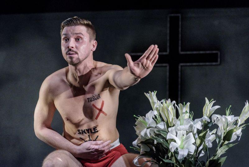 """Jonas Baranauskas spektaklyje """"Naktis"""". Algirdo Kubaičio nuotrauka"""