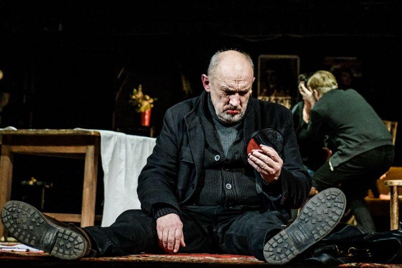 """Spektaklyje """"Autonomija"""" - Valentinas Masalskis. Lauros Vansevičienės nuotrauka"""