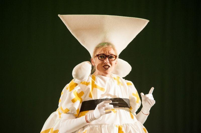 """Marcelė Zikaraitė spektaklyje """"Negalima!"""". """"Laimingi žmonės"""" nuotrauka"""