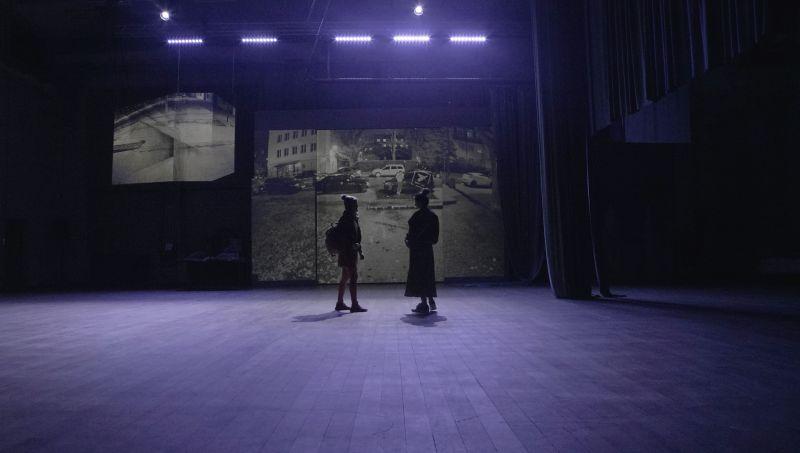 """Scena iš spektaklio """"Ktulu šauksmas"""". Kobas Laksa nuotrauka"""