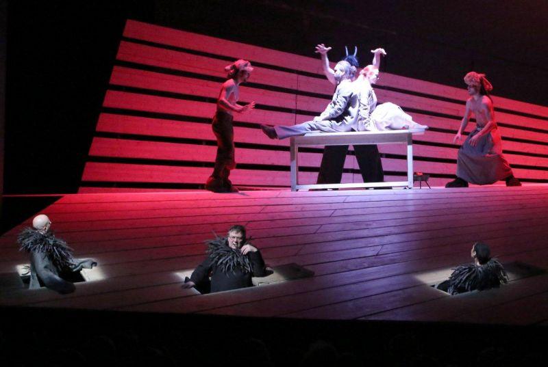 """Šiaulių dramos teatro vaidinimo """"Nebylys"""" vaizdas. Teatro archyvo nuotrauka"""