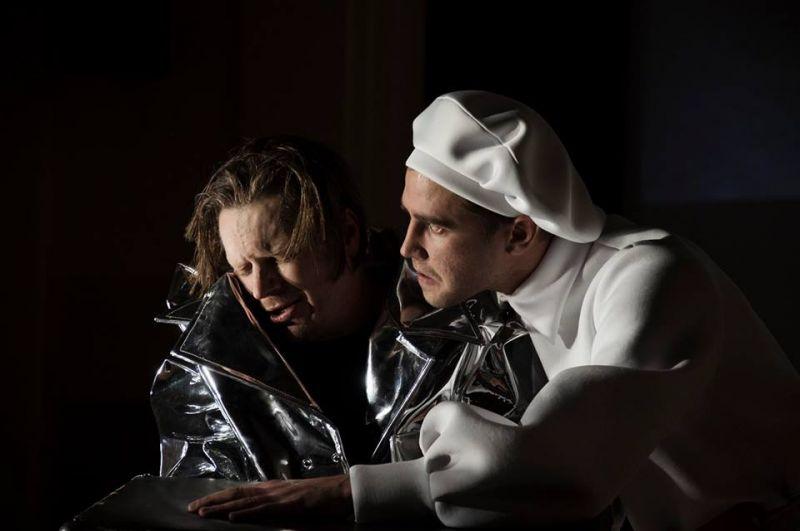 Senasis Zygfrydas (Vaidotas Žitkus) ir Pasienietis (Arnas Ašmonas). D.Ališausko nuotrauka