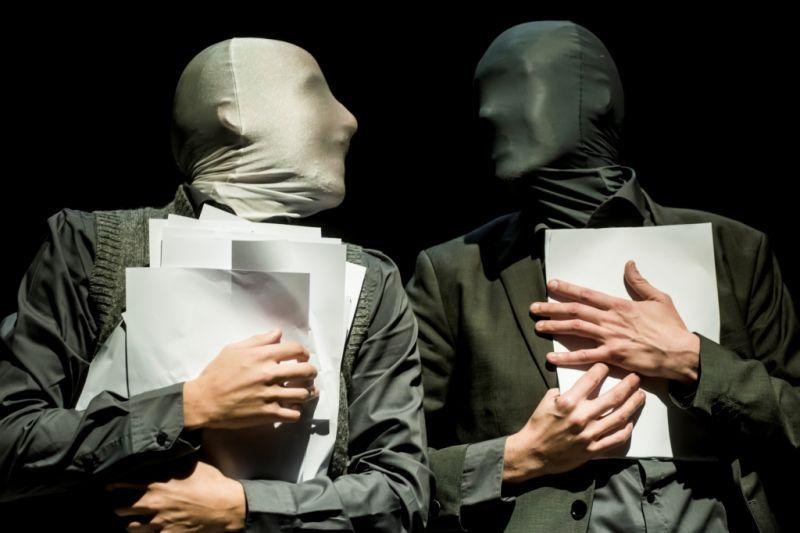 """Scena iš spektaklio """"CV, arba Kas aš esu"""". Dmitrijaus Matvejevo nuotrauka"""
