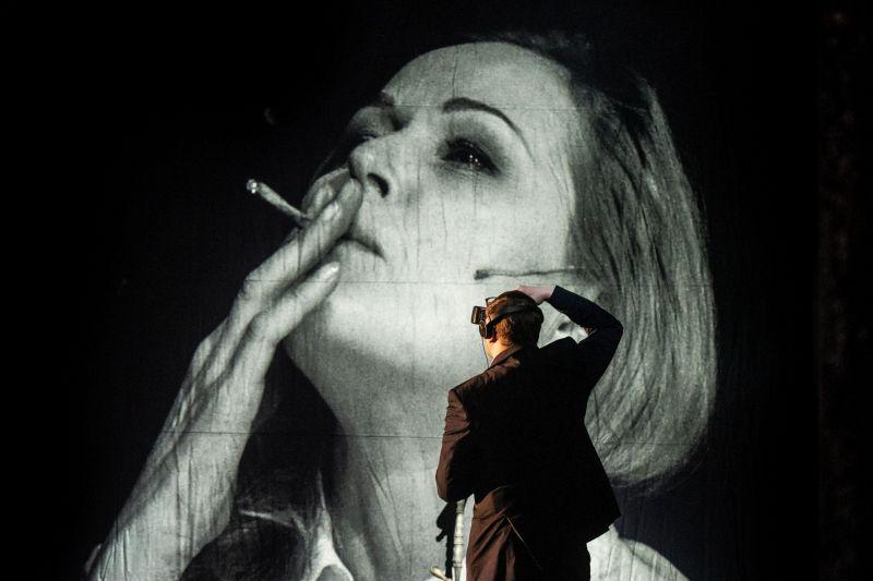 """Scena iš spektaklio """"Julija"""", režisierius Kirilas Glušajevas. Dmitrijaus Matvejevo nuotrauka"""
