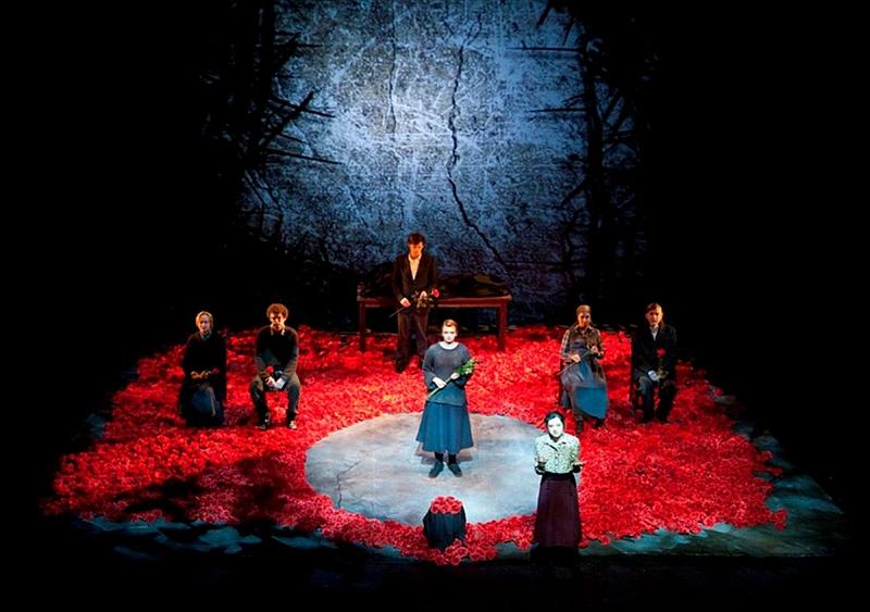 """Scena iš spektaklio """"Gentis"""".  Donato Stankevičiaus nuotrauka"""