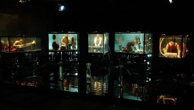 """Povandeninis muzikinis spektaklis """"AquaSonic"""". Katia Engel nuotrauka"""