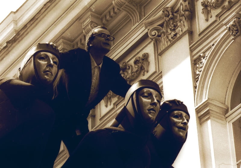 """Antrojo LIFE 1995 m. įžanga - prancūzų grupės """"Turbo Cacahuette"""" improvizacijos Vilniaus gatvėse. Autoriaus archyvo nuotrauka (Dainius Labutis)"""