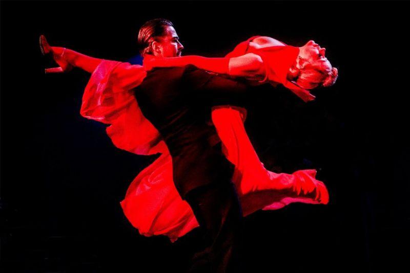 """Scena iš spektaklio """"Moterų krantas"""". Dmitrijaus Matvejevo nuotrauka"""