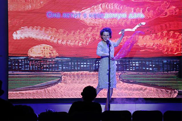 """Scena iš spektaklio """"Bekraitė"""". Natalijos Cheban nuotrauka"""