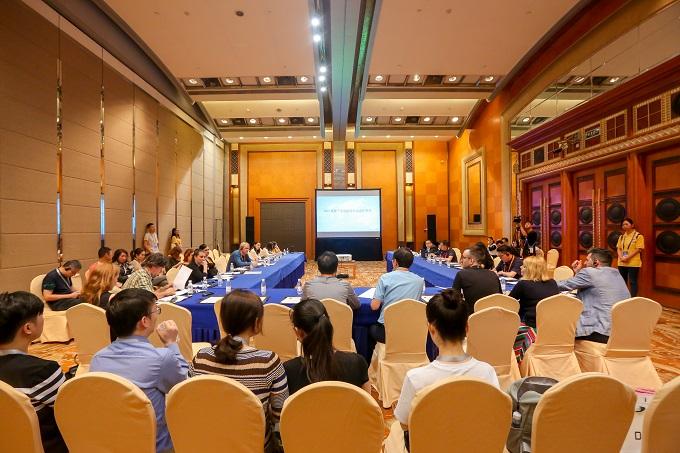 Forume Kinijoje. Rengėjų archyvo nuotrauka