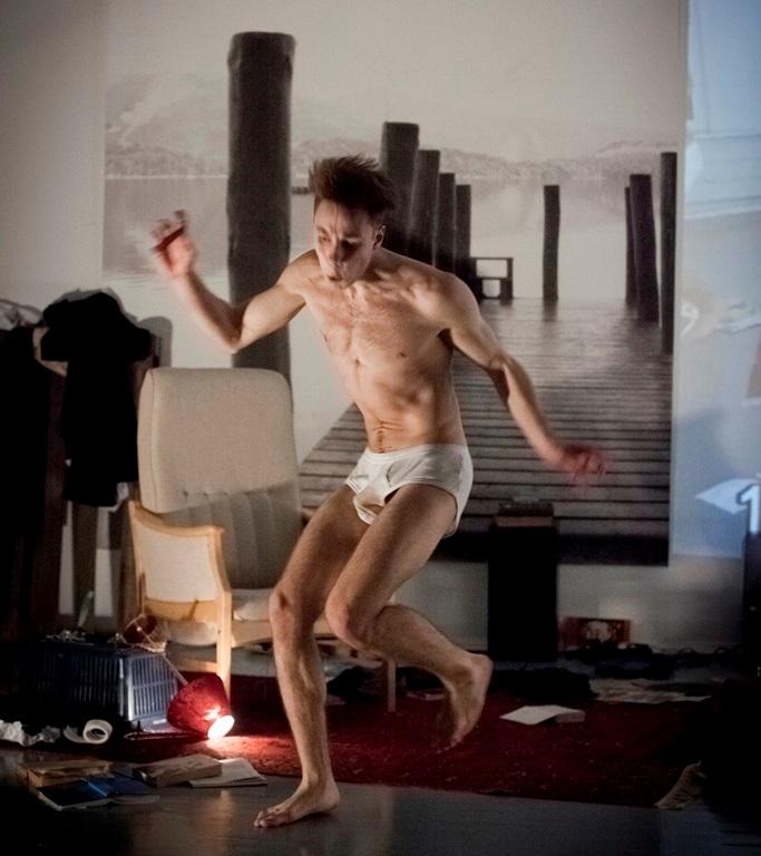 """Valerijus Kazlauskas spektaklyje """"Nevykėlis"""". Donato Stankevičiaus nuotraukos fragmentas"""